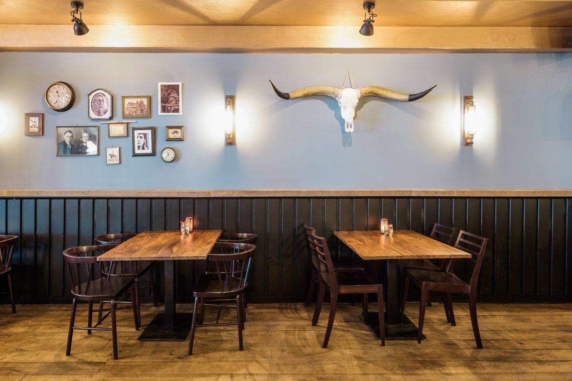 Interieurproject Volte café tafels
