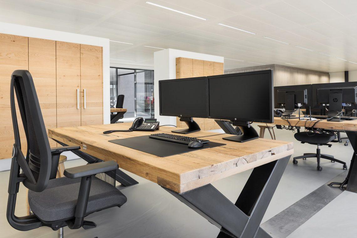 Interieurproject Therminon eiken tafel bureau design