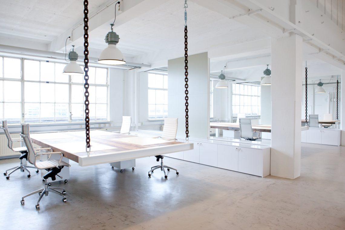 Interieurproject Kragt kantoorruimte design eiken bureau