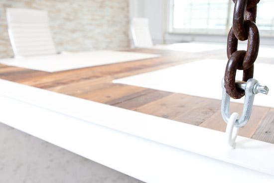 Interieurproject Kragt eiken tafel wit stalen frame